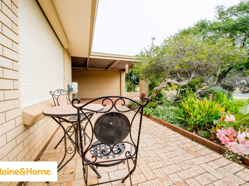 2/9 Roeger Place, East Bunbury
