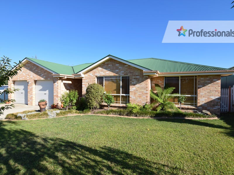 4 Magnolia Cl, Kelso, NSW 2795