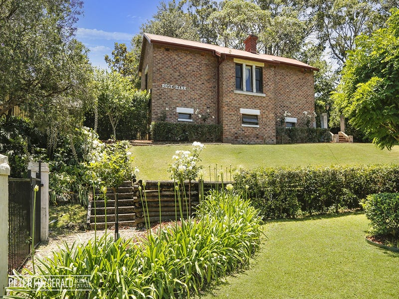 48 Robertson Street, Coniston, NSW 2500