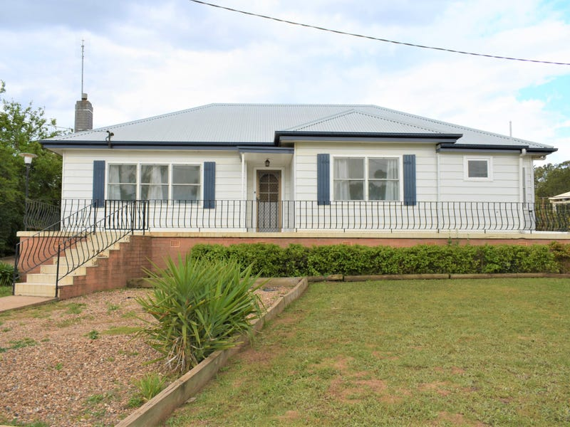 31 Whiteman Avenue, Young, NSW 2594