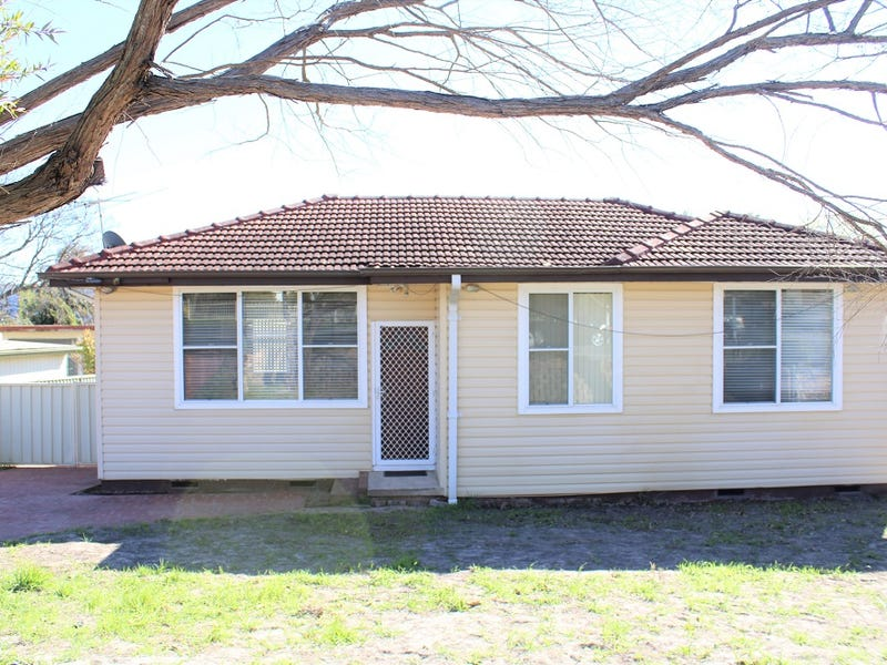 99 Lindesay Street, Campbelltown, NSW 2560