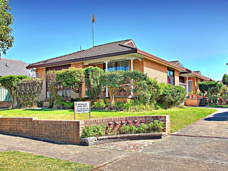 1/8 Caledonian Street, Bexley, NSW 2216