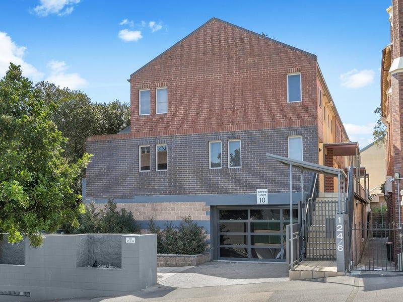 4/126 Tyrrell Street, The Hill, NSW 2300
