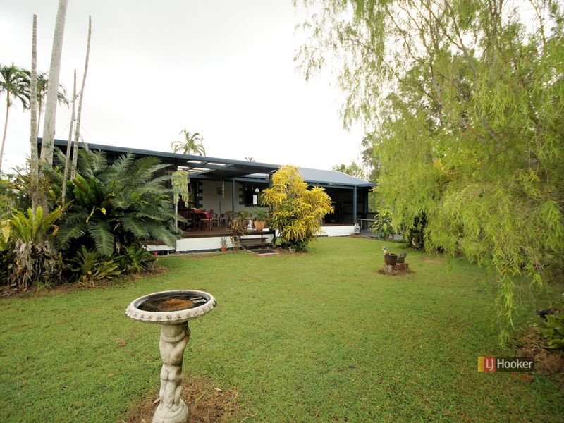 1222 Tully Hull Road, Tully Heads, Qld 4854