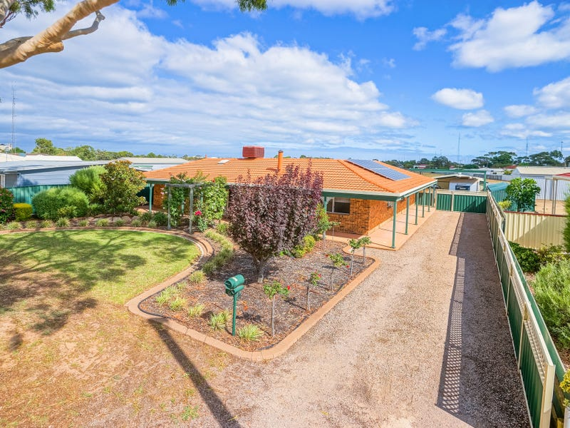 6 Kitto Road, Moonta Bay, SA 5558
