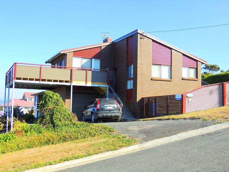 132 Scamander Avenue, Scamander, Tas 7215