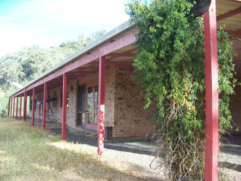 1 Burrawang, Wallabadah, NSW 2343