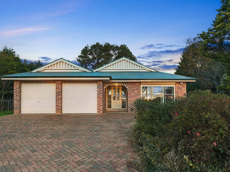 90 Tableland Road, Wentworth Falls, NSW 2782