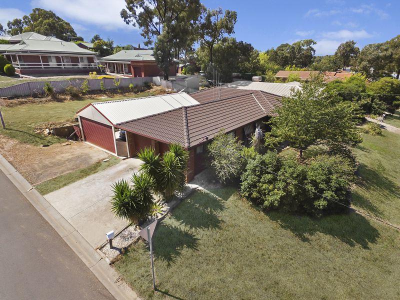 76 Browning Street, Kangaroo Flat, Vic 3555