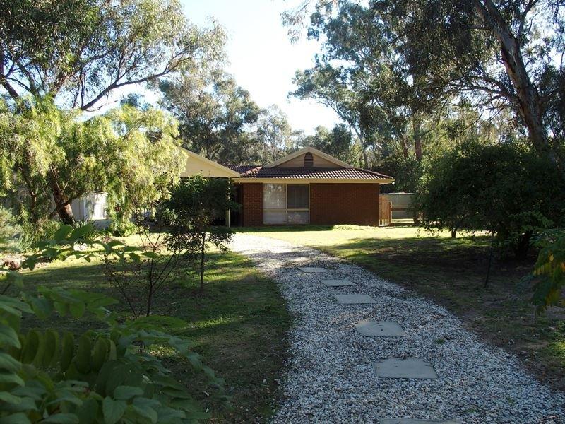 16 Mistletoe Lane, Glenrowan, Vic 3675