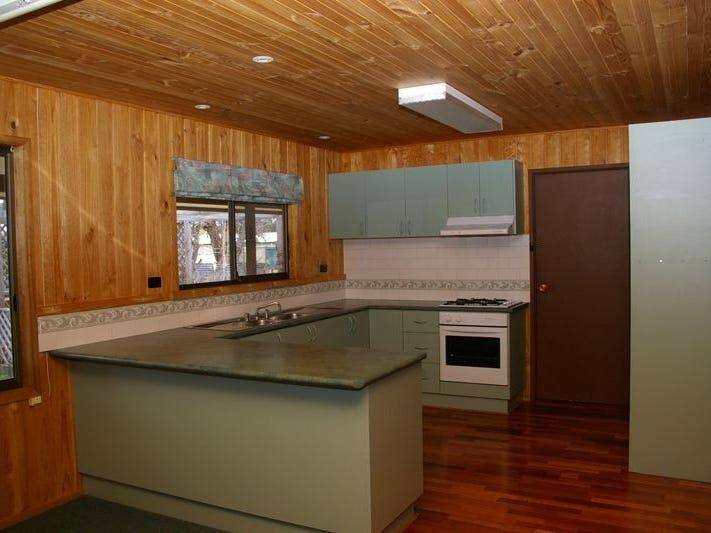11 Cherry Lane, Berridale, NSW 2628