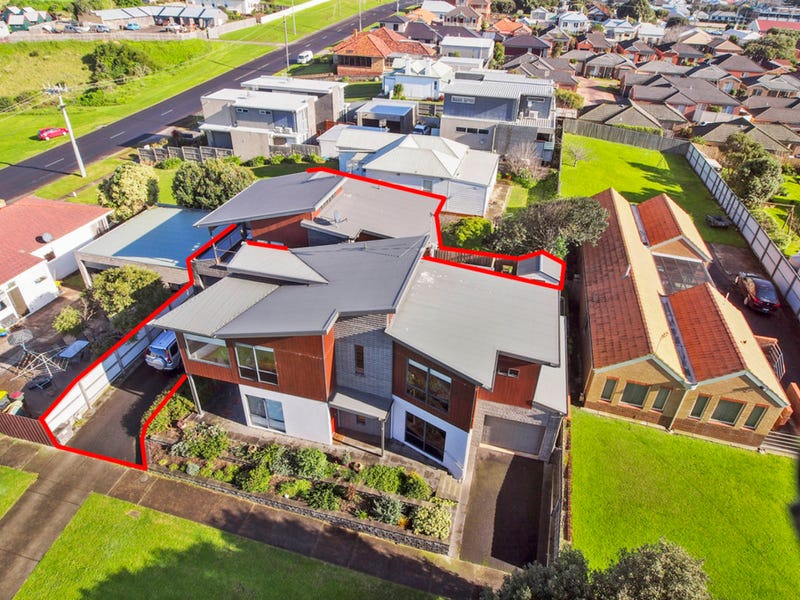 2/1 Japan Street, Warrnambool