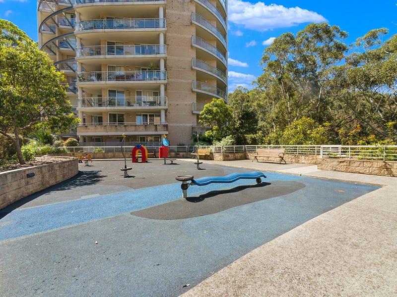 345/80 John Whiteway Drive, Gosford, NSW 2250
