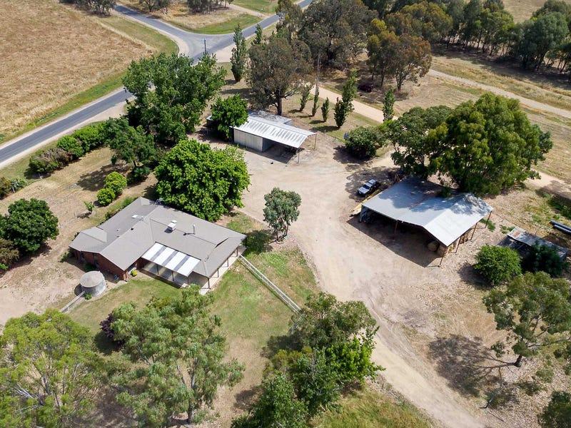 400 Boralma - Tarrawingee Road, Londrigan, Vic 3678
