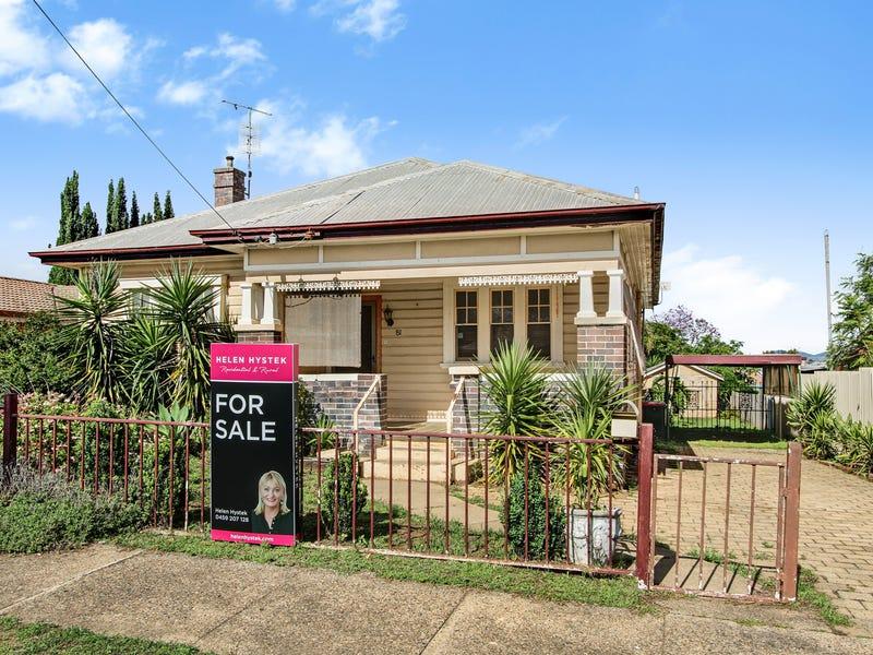 81 Crown Street, West Tamworth, NSW 2340