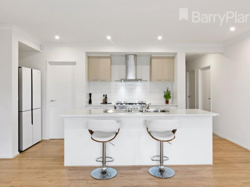 2 Jindalee Way, Werribee