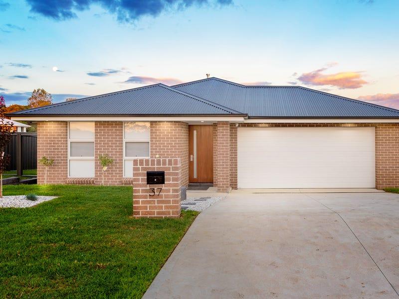 37 Stevenson Way, Orange, NSW 2800