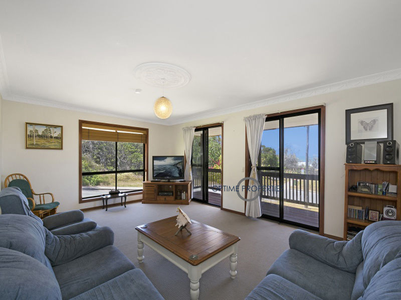 2 Russell Street, Shelly Beach, Qld 4551