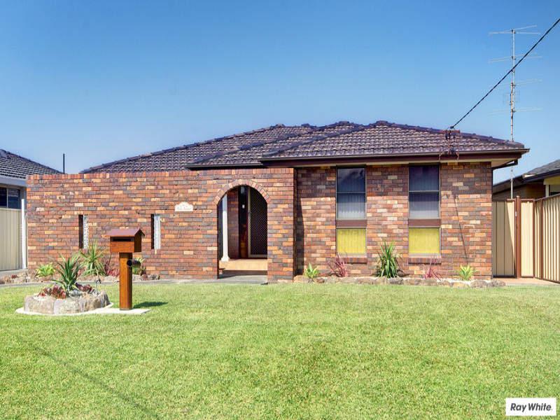 17 Doris Avenue, Woonona, NSW 2517