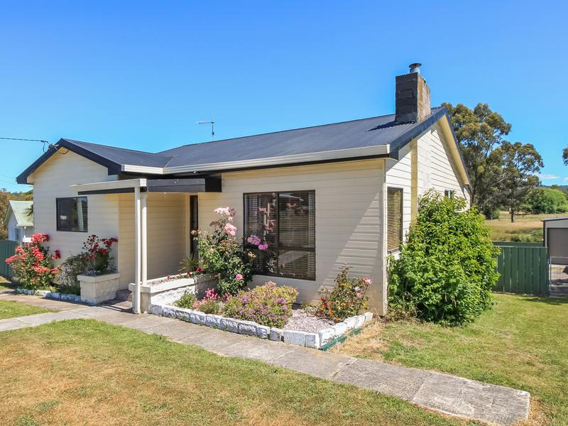 35 Crockers Street, Railton, Tas 7305