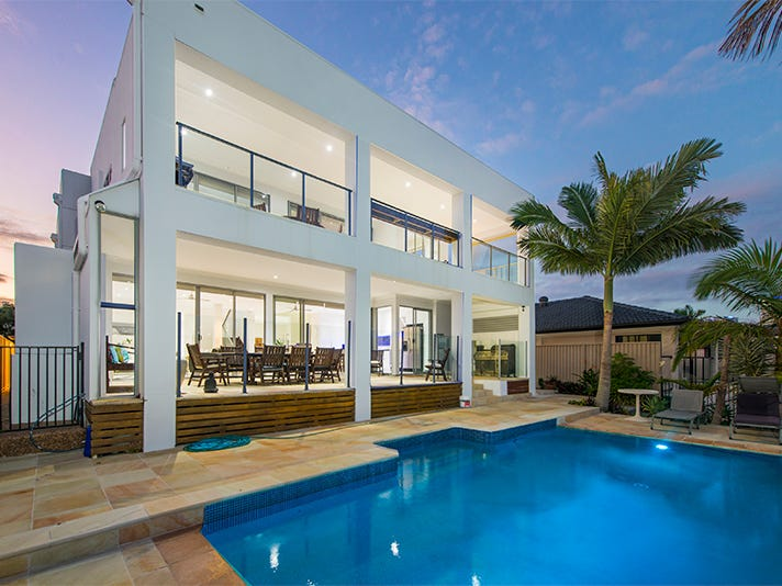 8 Helen Court, Broadbeach Waters, Qld 4218
