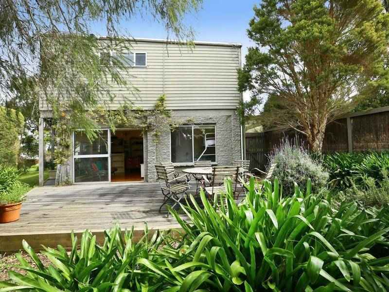 33 Young St, Flinders, Vic 3929