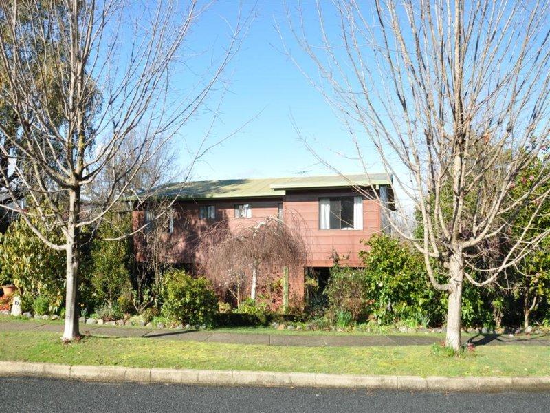 10 Bradney St, Khancoban, NSW 2642
