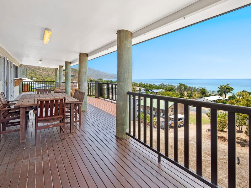 17 Roseric Crescent, Hideaway Bay, Qld 4800