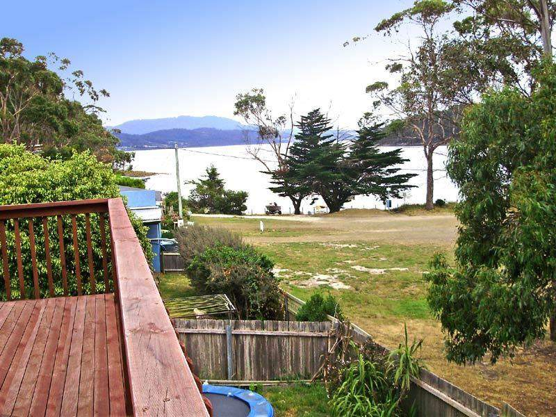 62 Flakemores  Road, Eggs And Bacon Bay, Tas 7112
