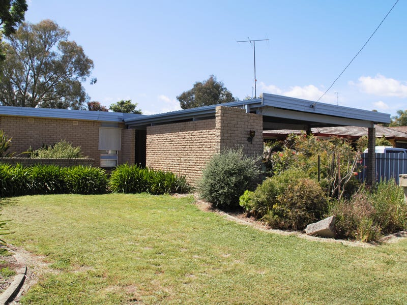 5 First Avenue, Henty, NSW 2658
