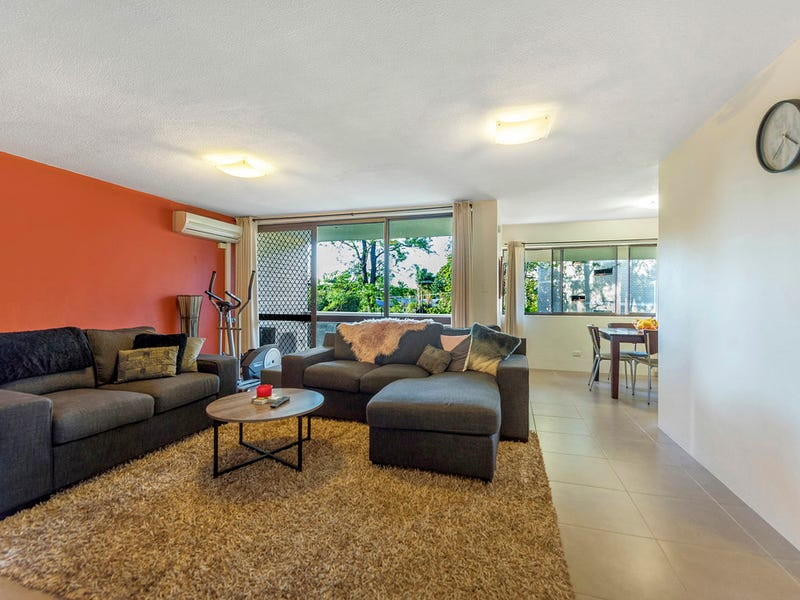 5/30 Holland Court, Broadbeach Waters, Qld 4218