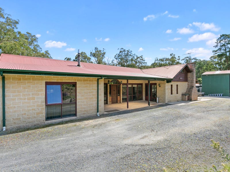 17 Forest Road, Wesburn, Vic 3799