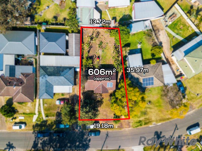 18 Dampier Crescent, Fairfield West, NSW 2165