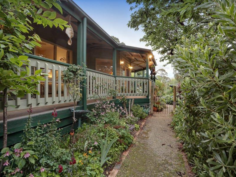 21 Emerald Monbulk Road, Emerald, Vic 3782