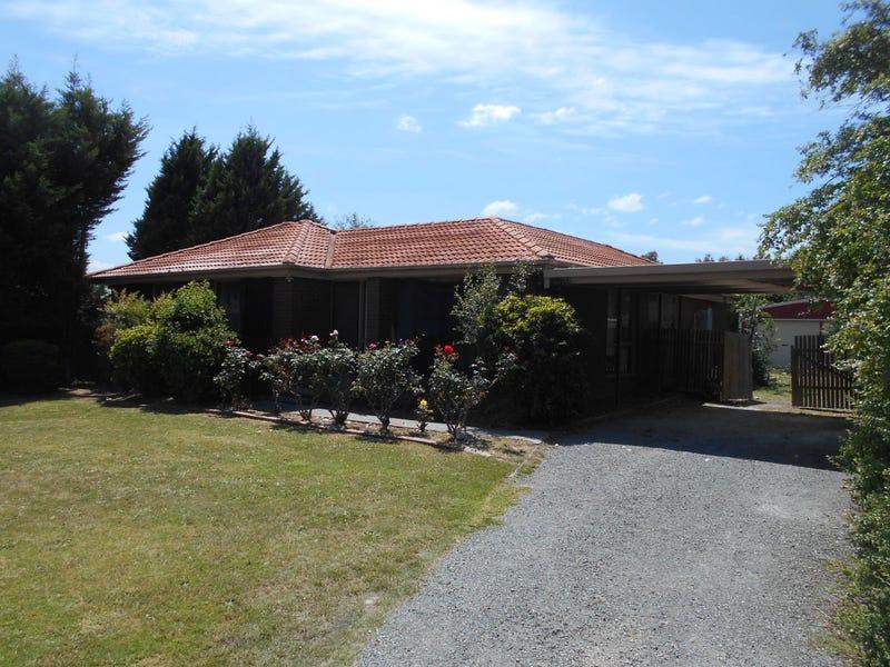 1 MERTON COURT, Endeavour Hills, Vic 3802