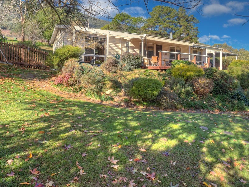 86 School Road, Wandiligong, Vic 3744