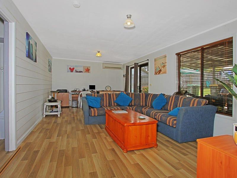 129 Beach Road, Sunshine Bay, NSW 2536