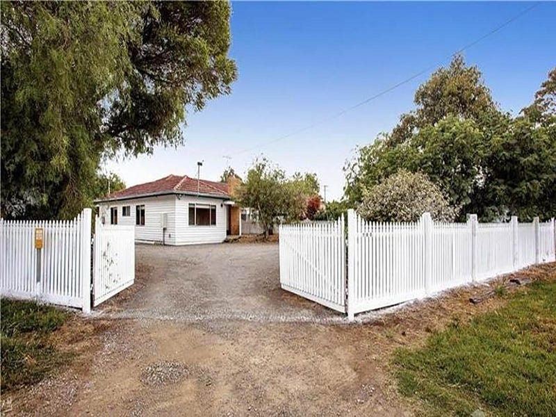 700 Anakie Road, Lovely Banks, Vic 3213