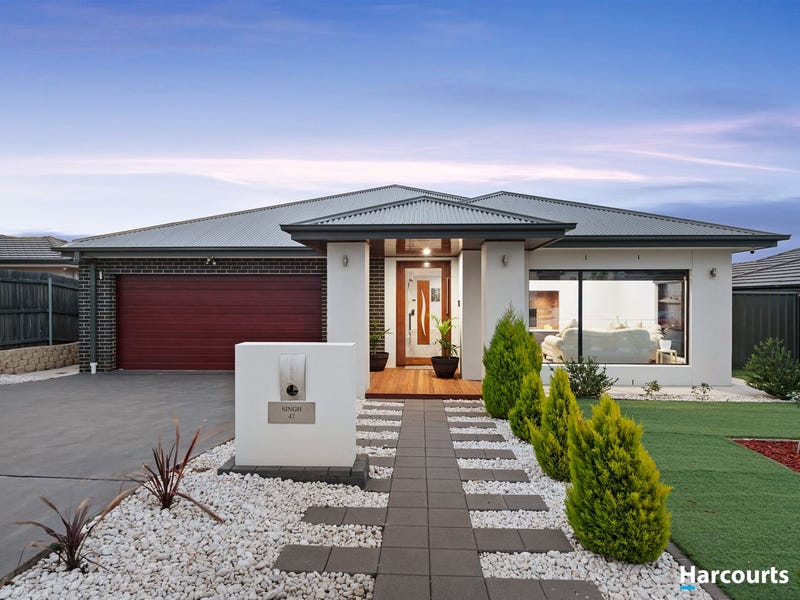 47 Harold White Avenue, Coombs, ACT 2611