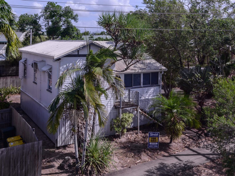 17 Lily Street, Cairns North, Qld 4870