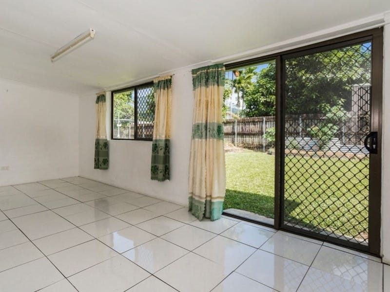 14 Conlan Close, Manoora, Qld 4870