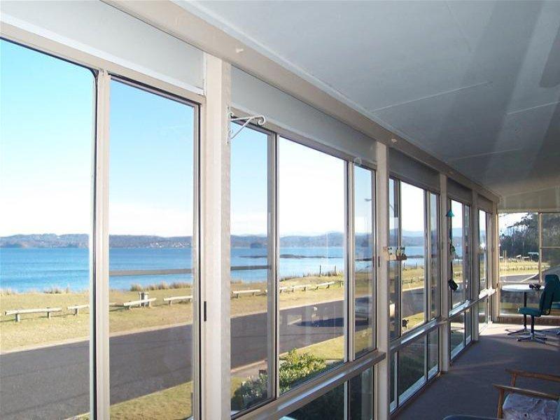 10 Maloneys Drive, Maloneys Beach, NSW 2536
