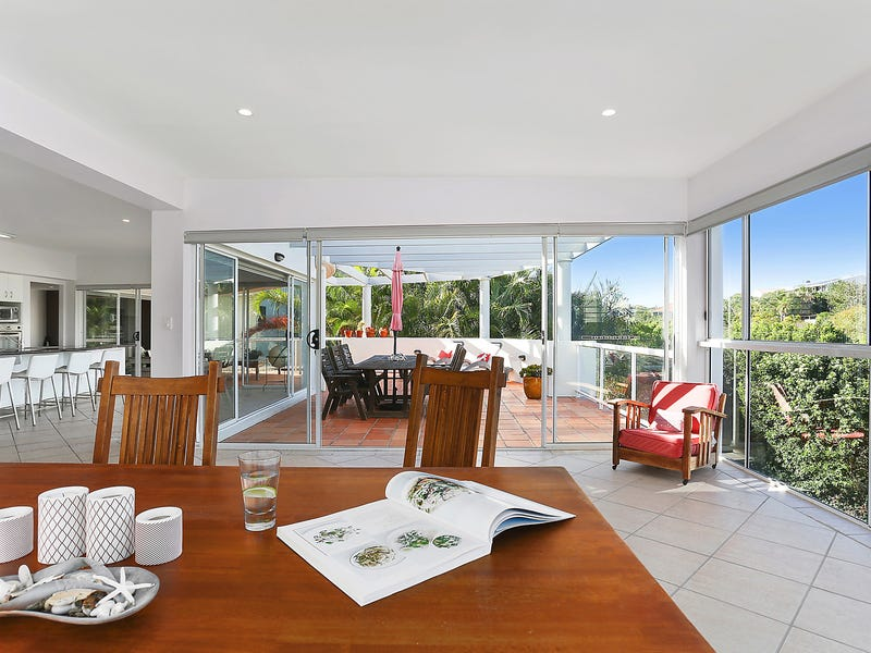 22 Antipodes Close, Castaways Beach, Qld 4567