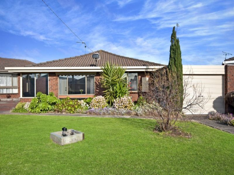 1/3 Mandeville Court, Port Fairy, Vic 3284
