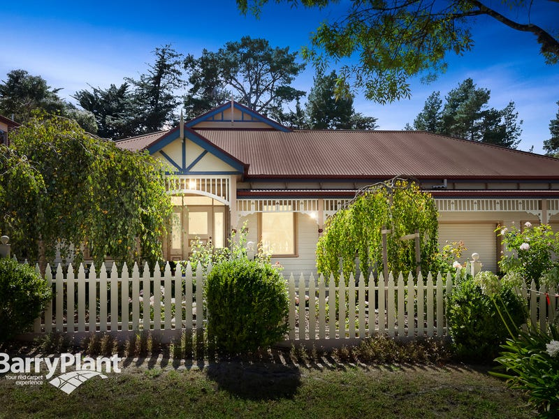 17 Balmoral Court, Frankston South, Vic 3199