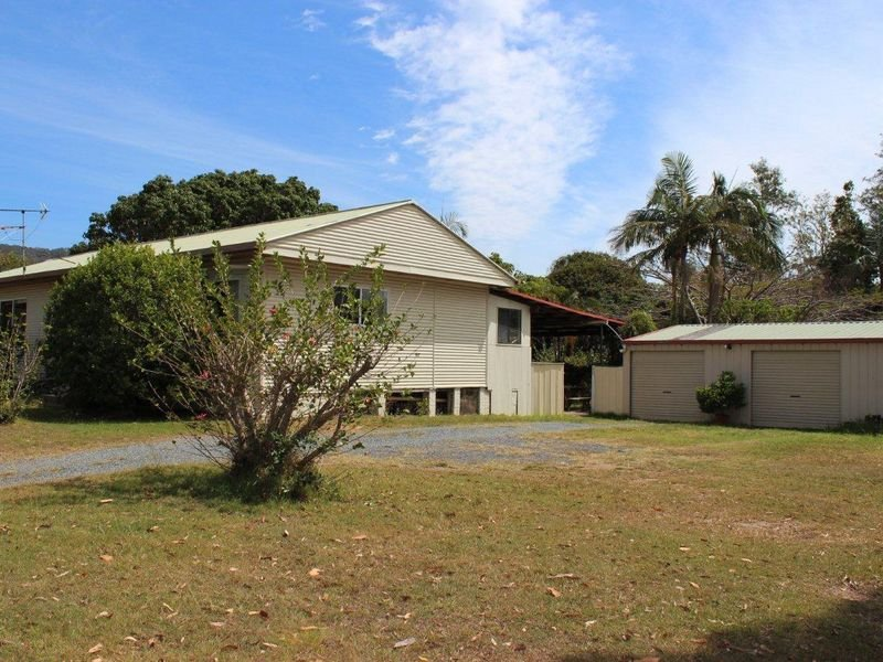 136 Holloways Road, Sandy Beach, NSW 2456