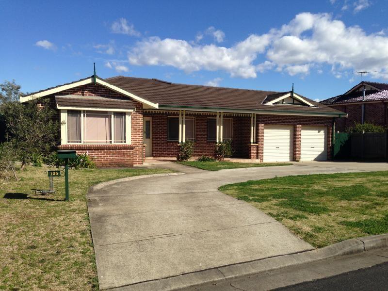 130 Abington Crescent, Glen Alpine, NSW 2560