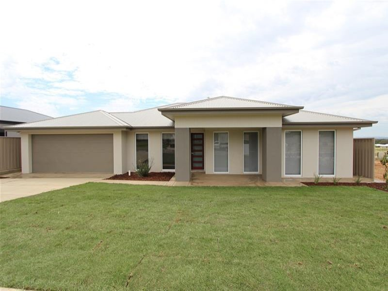 40(Lot44) Strickland Drive, Boorooma, NSW 2650