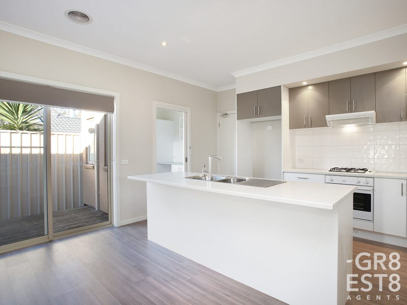 1/9 Slingsby Avenue, Beaconsfield, Vic 3807