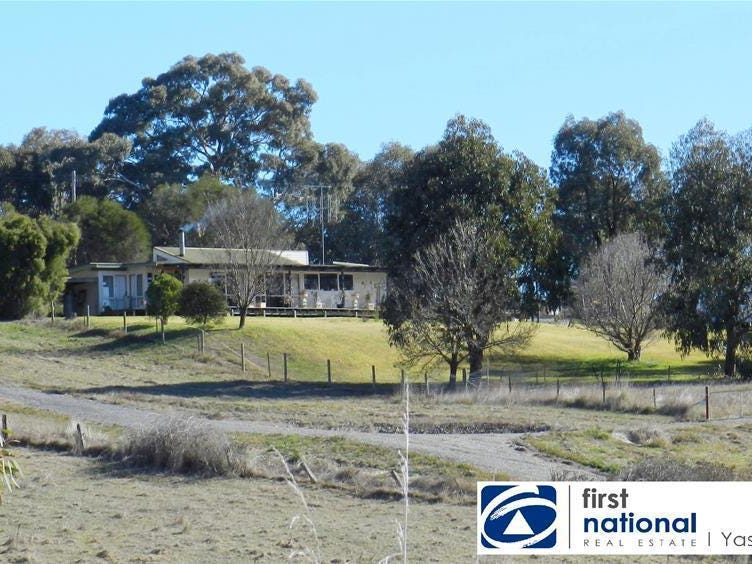 16 Luther Street, Bowning, NSW 2582